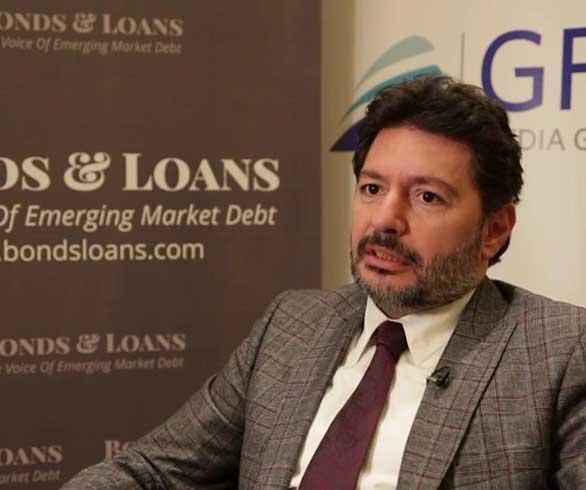 واشنطن تخلي سبيل مصرفي تركي متهم بخرق عقوبات إيران