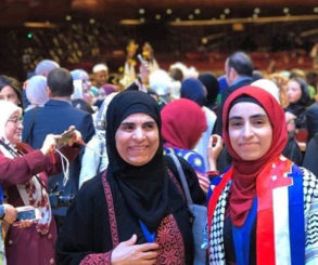 فلسطينية سورية.. الأولى في هولندا بتحدي القراءة والرابعة في دبي