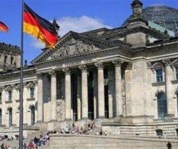 صحيفة ألمانية: برلين تعلق برامج استقبال اللاجئين بسبب تفشي كورونا