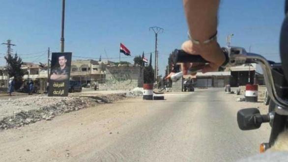 أحد حواجز الفرقة الرابعة غربي درعا - أرشيفية